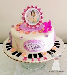 Violetta - Cake by Cláud' Art Sugar