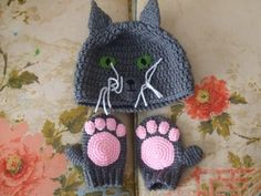 Kitty cat hat & paws