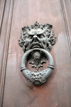 Gargoyle Door Knocker Devil, evil looking face. Evil eyes work really well with the little horns. I also like the way the nose is pointed and large for the face. Even tho it's a gargoyle and devil looking it still has quite a human look to it. Door Knobs And Knockers, Door Detail, Cool Doors, Door Accessories, Door Furniture, Green Man, Doorway, Knock Knock, Door Handles