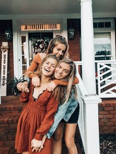 33 Ideas Photography Friends Bff Bud For 2019 33 Ideas Photography Friends Bff Bud For 2019 Bff Pics, Cute Friend Pictures, Best Friend Pictures, Pic Pose, Picture Poses, Photo Poses, Tumblr Bff, Best Friend Photography, Photography Ideas