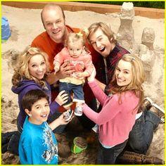 Good Luck Charlie: Very cute family show! Disney Channel Shows, Disney Shows, Family Show, Cute Family, Good Luck Charlie Cast, Sonny With A Chance, Good Luck Chuck, Bridgit Mendler, Best Tv