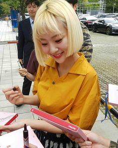 ʚ pin - lloverrose ɞ South Korean Girls, Korean Girl Groups, Superstar, Korean Artist, Kpop Fashion, Face Claims, Kpop Groups, Kpop Girls, Indie