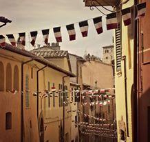 """Due le giornate per la V edizione di Memorie per il Futuro, i prossimi 10 e 11 settembre, manifestazione organizzata dall'Associazione di Promozione Sociale Borgo Sant'Antonio Porta Pesa in collaborazione con l'Associazione Nazionale Bersaglieri e il patrocinio e il sostegno del Comune di Perugia. La due giorni, che si svolgerà in Corso Bersaglieri a Perugia, è dedicata al tema """"I luoghi e il cibo di una volta"""" ed incentrata su eventi volti a coinvolgere un vasto pubblico eterogeneo nella…"""