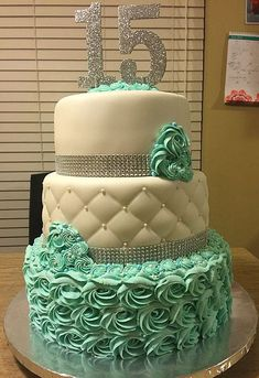 Communicative coached quinceanera themes read this post here 15th Birthday Cakes, Sweet 16 Birthday Cake, Birthday Cakes For Teens, Girl Birthday, Birthday Cupcakes, Birthday Parties, Pretty Cakes, Cute Cakes, Beautiful Cakes