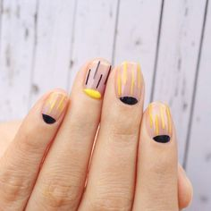 40 Simple Nail Art Designs for Nail Enthusiasts #naildesignideaz #naildesign #simplenailart #nailart ♥ If you enjoyed my pin, pls visit us at http://naildesignideaz.com/ ♥