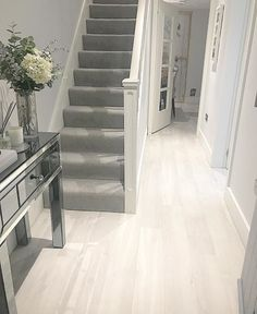 House interior – Hall stairs and landing decor 16 ideas grand stairs case stairways Stairs In Living Room, House Stairs, Carpet Stairs, Living Room Carpet, Home Living, Grey Stair Carpet, Grey Carpet Hallway, Brown Carpet, White Carpet