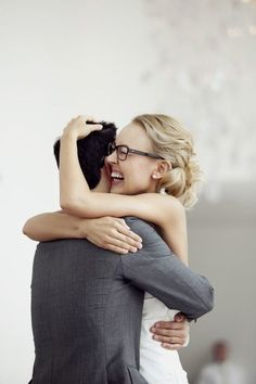23 Photos Of Beautiful Brides Wearing Glasses
