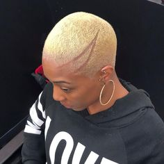 Image may contain: one or more people and closeup Short Bleached Hair, Natural Hair Short Cuts, Short Natural Haircuts, Short Black Hairstyles, Short Hair Cuts For Women, Short Haircuts, Natural Hairstyles, Girl Hairstyles, Wedding Hairstyles