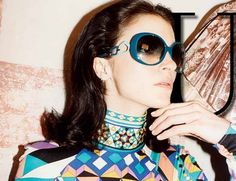 You are interested in Mariacarla Boscono for Emilio Pucci? Fashion ads, pictures, prints and advertising with Mariacarla Boscono for Emilio Pucci can be found here. 60s And 70s Fashion, 60 Fashion, Vintage Fashion, Milan Fashion, Vintage Style, Emilio Pucci, Sophia Loren, 1960s Sunglasses, Italian Models