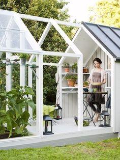 กระท่อมเรือนกระจก Green House เล็กๆ ที่เพิ่มความน่ารักให้สวนหลังบ้าน - แบบบ้าน | Hipflat บล็อก