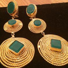Earrings Egyptian stlye Jewelery by HQJewels on Etsy Stylish Jewelry, Unique Jewelry, Gold Jewelry, Jewelry Design, Habesha Kemis, Gold Jhumka Earrings, Designer Earrings, Jewelries, Jewelry Trends