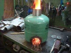 Gas Bottle Wood Burner, Wood Burner Stove, Diy Wood Stove, Rocket Stove Design, Diy Rocket Stove, Rocket Stoves, Wood Stove Heater, Stove Oven, Fire Pit Grill