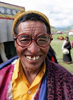 Moine tibétain heureux © M Ricard