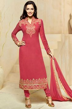 Obtenir la dernière rose #Georgette #Churidar Suit avec la mousseline Dupatta #AndaazFashion   http://www.andaazfashion.fr/salwar-kameez/churidar-suits/pink-georgette-churidar-suit-with-chiffon-dupatta-dmv13796.html
