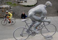 Pour la 11ème Pyrénéenne, le kilomètre zéro la ligne d'arrivée seront à St Lary-Soulan. L'organisation de cette cyclosportive alterne entre les trois villes partenaires qui sont Argelès-Gazost, Bagnères-de-Bigorre et St Lary-Soulan : ce concept permet de vous offrir tous les ans un cadre nouveau, tout en conservant son essence même. Maine, Bicycle, Events, Finish Line, Cities, Organization, Everything, Bike, Bicycle Kick