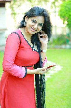 The Fresh Malayali: Angamaly Diaries Heroine Lichi Reshma Rajan Hot Photos Bollywood Actress Hot Photos, Actress Pics, Beautiful Bollywood Actress, Beautiful Actresses, Beautiful Models, Beautiful Women, Beautiful Girl Indian, Most Beautiful Indian Actress, Indian Beauty Saree