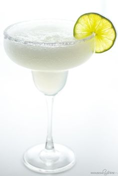 Learn how to make the best skinny margarita recipe. This sugar-free, low carb, paleo margarita is naturally sweetened. Takes only 2 minutes & 5 ingredients!