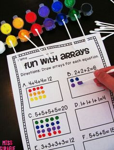 How to Teach Arrays - lots of really fun ideas for teaching repeated addition and rectangular arrays Maths 3e, Teaching Multiplication, Teaching Math, Math Math, Multiplication Strategies, Math Games, Math Activities, Addition Activities, Leadership Activities