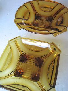 FINN – Vintage Amber Pressed glass Art Deco fra 1930´s Salatbolle Pressed Glass, Glass Art, Amber, Art Deco, Romantic, Retro, Vintage, Romance Movies, Vintage Comics