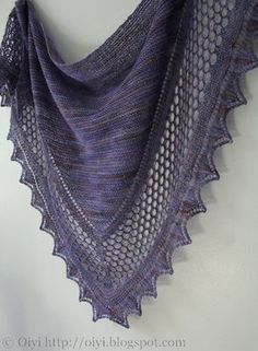 Oiyi's Crafts: Shawl Addiction, 550 yards sock yarn (largest size), has link to Ravelry for pattern