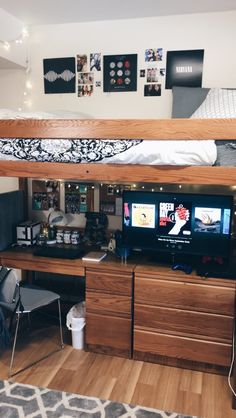 Dorm Room With Lofted Bed PINTEREST: @RileyBrown27 Part 65