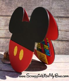 Scrappin with my bug: Mickey gift card holder