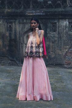 #perniaspopupshop #newcollection #radhikaairi #festive #embriodered