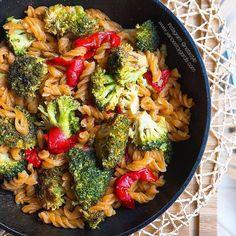 Las mejores recetas fitness y la mejor cocina saludable la encontrarás aquí. Hoy estas Helices de lenteja roja con verduras
