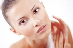 With so much information on skin care, things can get overwhelming fast. Here are five steps that make a good skin-care routine, according to professionals. Best Skin Care Routine, Acne Solutions, Best Natural Skin Care, Skin Care Remedies, Quites, Belleza Natural, Cool Style, How To Make, Acne Products