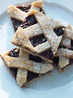 Ízőrző: Szilvalekváros rácsos sütemény Baking And Pastry, Waffles, Breakfast, Bread, Cookies, Pastries, Food, Morning Coffee, Crack Crackers