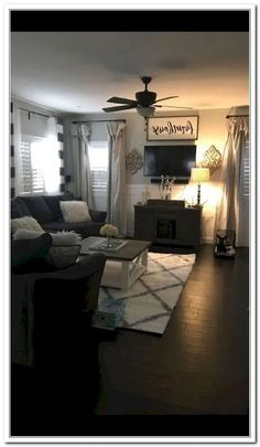 Hold current with the newest small living room decor ideas (chic & modern). Find great techniques for getting elegant style even although you have a small living room. Rugs In Living Room, Living Room Interior, Home And Living, Living Room Designs, Living Room Furniture, Small Living, Curtain Ideas For Living Room, Hall Furniture, Interior Shop