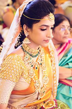 See Indian bridal wear collection and Indian bridal dress ideas from different parts of india. Wedding dress Ideas for women in India from 13 Indian states and cultures are here. Blouse Back Neck Designs, Bridal Blouse Designs, Indian Bridal Fashion, Indian Bridal Wear, Bridal Looks, Bridal Style, Telugu Brides, Saree Wedding, Bridal Sarees