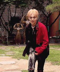 EXO. Xiumin!!! True, I have seen him do this before, except this time is worse than last time...I think he's trying to kill me!