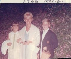 11 year old Christie Lee Brinkley, mom Marge and big brother Greg. Christie Brinkley, Good People, Girl Crushes, Brother, Teen, Mom, Couple Photos, Couples, Awesome