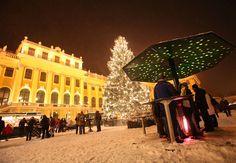 Christmas Market at Schönbrunn Palace, Vienna, Austria. © MTS / Gerhard Fally - http://www.schoenbrunn.at/en/services/media-center/photo-gallery/christmas-market-schoenbrunn.html