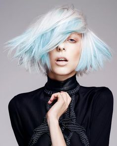 Pale blue short hairstyle