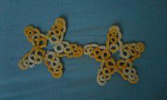 #orecchiniachiacchierino #chiacchierinoadago orecchini fatti a mano a forma di stella marina. Filato giallo sfumato n5