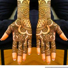 Some trending and stunning mehndi designs for this wedding season! Some trending and stunning mehndi designs for this wedding season!,Mehendi designs Some trending and stunning mehndi designs for this wedding season! Henna Hand Designs, Mehndi Designs Finger, Indian Henna Designs, Latest Bridal Mehndi Designs, Full Hand Mehndi Designs, Mehndi Designs 2018, Mehndi Designs For Beginners, Modern Mehndi Designs, Mehndi Designs For Girls