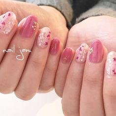 Instagram→@a.nailjam ネイルデザインを探すならネイル数No.1のネイルブック Pink Shellac Nails, Red Nails, Acrylic Nail Designs, Acrylic Art, Plain Nails, Japanese Nail Art, Elegant Nails, Cute Nail Art, Super Nails