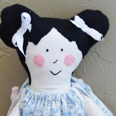 Make your own cute cloth doll with this FREE pattern and tutorial.
