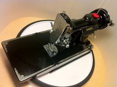 Oiling a Singer 221 Featherweight. This is a great step by step, full of pictures guide.