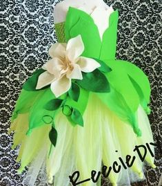 learn how to make a Princess Tiana Tutu Dress for birthday parties (Princess Diy Costume) Baby Princess Costume, Princess Tiana Dress, Cinderella Tutu, Diy Tutu, Tulle Tutu, Baby Tutu Dresses, Tutu Skirts, Tutu Outfits, Emo Outfits