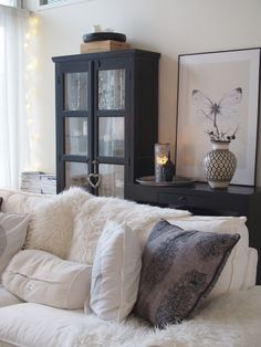 My home Black And Cream Living Room, Cream Living Rooms, Home Living Room, Living Spaces, Home Addition Plans, Scandinavian Home, Beautiful Interiors, House Rooms, Home Decor Inspiration