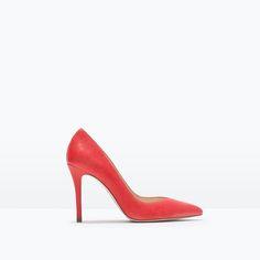 ZARA Leather court shoe REF. 1203/001 3,990.00 MKD