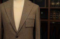 Custom Ready To Wear   #ZAVATE  Jachetă CRTW - construcție half canvas. Țesătură: lână Merino 130's – 17.20 µn, natural elastică, rezistentă la pete și la apă. Ready To Wear, Suit Jacket, Victoria, How To Wear, Fashion, Atelier, Moda, Fashion Styles, Capsule Wardrobe