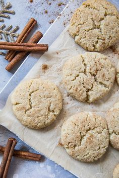 Keto-Friendly Snickerdoodles: a grain-free paleo-friendly snickerdoodle recipe lower in sugar thanks to zero-calorie Natural Sweetener. The best part this keto-friendly recipe only requires a few basic ingredients! Keto Cookies, Gluten Free Cookies, Paleo Dessert, Dessert Recipes, Best Gluten Free Desserts, Healthier Desserts, Keto Desserts, Snickerdoodle Recipe, Brown Rice Flour