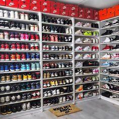 Double tap if youre Team Nike? (Link in bio) ? Shoe Room, Shoe Wall, Shoe Closet, Sneaker Storage, Shoe Storage, Storage Ideas, Organization Ideas, Teen Room Decor, Shoe Organizer