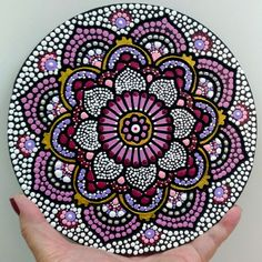 Mandala Painting, Dot Painting, Photo Finder, Record Art, Mandala Dots, Flower Art, Stencils, Diy And Crafts, Embroidery