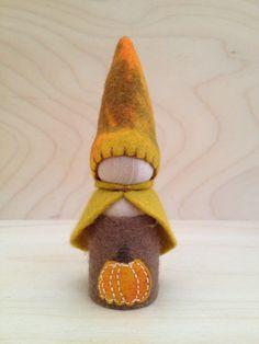 Wooden Peg Gnome  AutumnPumpkin Fall Harvest by SepAndAugust, €6.58