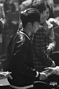 #iKON #JunHoe #JUNE Gaon Chart K-pop Awards